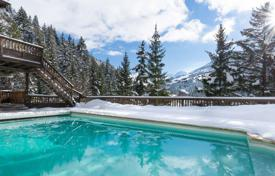 Villas and houses for rent with swimming pools in Auvergne-Rhône-Alpes. Villa – Meribel, Auvergne-Rhône-Alpes, France