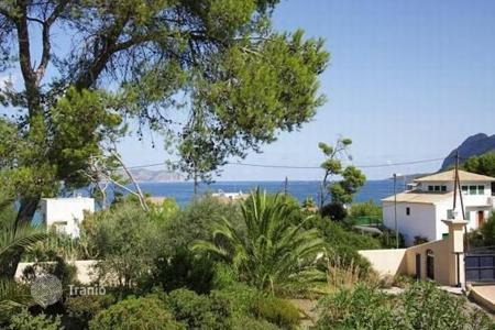 Houses for sale in Majorca (Mallorca). Splendid Mediterranean villa with sea views in tranquil location close to the beaches in Mal Pas, Alcudia, Spain