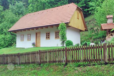 2 bedroom houses for sale in Slovenia. The house has a total size of 114 m² with a corresponding plot measuring 1,150 m²