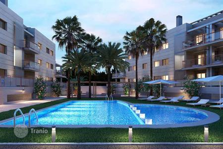 Cheap apartments with pools for sale in Alicante. Apartment 350 meters from the beach in Javea
