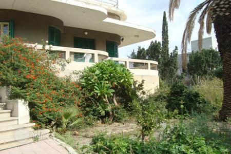 Luxury houses for sale in Nicosia (city). 3 Bedroom Detached House in Agios Andreas