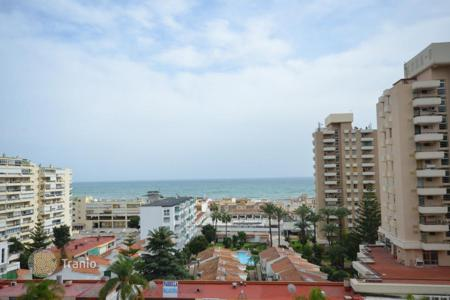 3 bedroom apartments by the sea for sale in Costa del Sol. This is an outstanding penthouse for those who want to enjoy their stay in Spain on a grand terrace with nice sea views