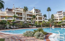 3 bedroom houses for sale in Estepona. Stylish Modern Duplex Penthouse in El Velerin, Estepona