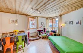 Residential for sale in Val d'Isere. Apartment with a balcony and a parking space, in the ski resort of Val d'Isère, Savoie, France