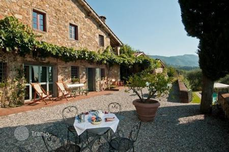 4 bedroom villas and houses to rent in Lucca. Villa - Lucca, Tuscany, Italy