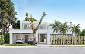 4 bedroom houses for sale in Alicante. Luxury villa in front of the golf course of Villamartin
