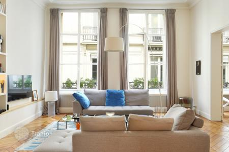 1 bedroom apartments for sale in Paris. Apartment in an old house in Paris 2nd District, Ile-de-France