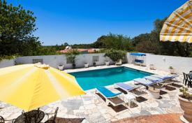 4 bedroom houses for sale in Faro. 4 bedroom villa with tennis court and large plot – north of Alvor, West Algarve