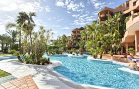 Coastal property for sale in Estepona. Fabulous Apartment in Private Wing of the Kempinski Hotel, Estepona