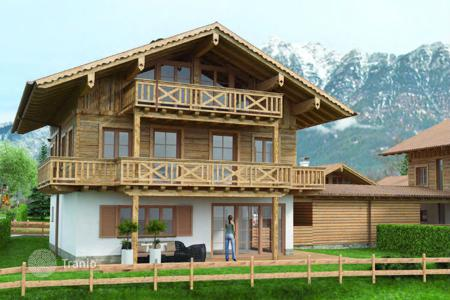 Off-plan houses for sale in Garmisch-Partenkirchen. Villa – Garmisch-Partenkirchen, Bavaria, Germany