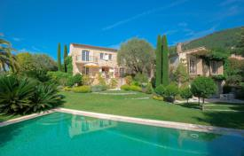 Luxury houses for sale in Vence. Vence — Within a domain