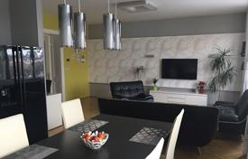 Residential for sale in Praha 6. Spacious apartment with a balcony, in a comfortable residential building with an elevator, next to the park, Prague 6, Czech Republic