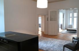 Apartments to rent in Germany. LUXURIOUSLY FURNISHED APARTMENT IN HISTORIC BUILDING NEXT TO LUDWIGKIRCHPLATZ, CHARLOTTENBURG