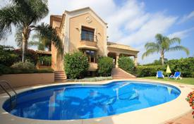 Magnificent villa with a pool and a garden, Benahavis, Andalusia, Spain for 1,700,000 €