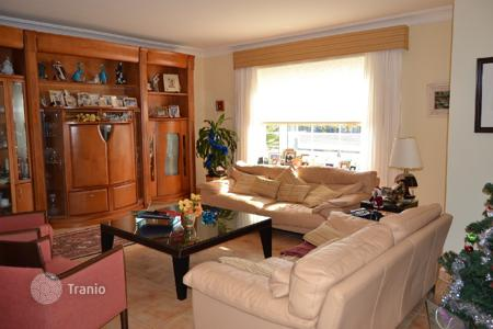 4 bedroom houses for sale in Gran Canaria. Extraordinary private chalet in Meloneras