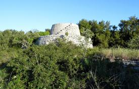 Apartments for sale in Apulia. Building land with farm buildings of Trulli and pajare sale in Morciano di Leuca