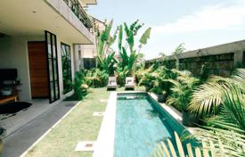 Property for sale in Bali. Spacious three-storey villa with a garden, a swimming pool, terraces and ocean views, close to the beach, Berawa, Bali