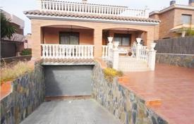 5 bedroom houses for sale in Tarragona. Villa – Calafell, Catalonia, Spain