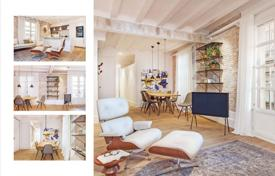2 bedroom apartments for sale in Catalonia. Two bedroom apartment in a historic building, close to the oldest synagogue in Europe, Barcelona, Spain