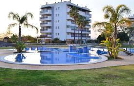 2 bedroom apartments for sale in Arenals del Sol. 2 bedroom apartment with communal pool, sport facilities, walking distance to the beach and sea views in Alicante
