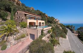 4 bedroom houses for sale in Theoule-sur-Mer. Stylish villa overlooking the sea, close to the beach, Theoule-sur-Mer, France