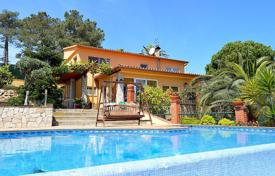 4 bedroom houses for sale in Catalonia. Villa – Lloret de Mar, Catalonia, Spain