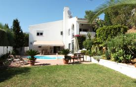 Houses with pools for sale in Mijas. Villa for sale in Mijas Costa
