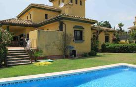 4 bedroom houses for sale in Castille and Leon. Very comfortable house in the B zone of Lower Sotogrande