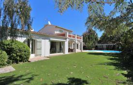 Cap d'Antibes — 300 meters away from the sea -Villa to rent. Price on request