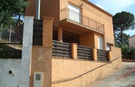 Property for sale in Maçanet de la Selva. Terraced house – Maçanet de la Selva, Catalonia, Spain
