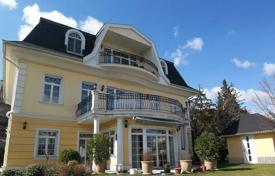 Luxury houses for sale in Hungary. Comfortable villa with three terraces and a garden, District XII, Budapest, Hungary
