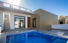 2 bedroom houses for sale in Spain. 2 bedroom villa with pool in Rojales