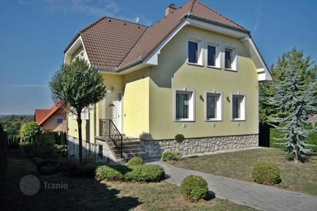 4 bedroom houses for sale in Zala. Detached house in very high quality in mint condition 8 km from Keszthely near Hévíz
