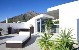 Townhouses for sale in Costa del Sol. Town House for sale in Sierra Blanca, Marbella Golden Mile