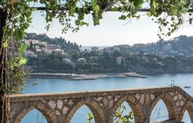 Luxury property for sale in Villefranche-sur-Mer. Villefranche sur Mer — Property with Historic Tower
