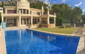 Three-level house with a swimming pool and panoramic sea and mountain views in Altea, Alicante, Spain for 1,290,000 €