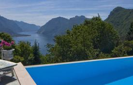 Villas and houses for rent with swimming pools in Lombardy. Villa Grazia
