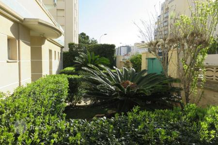 Apartments with pools to rent in Europe. Apartment - Grau i Platja, Valencia, Spain