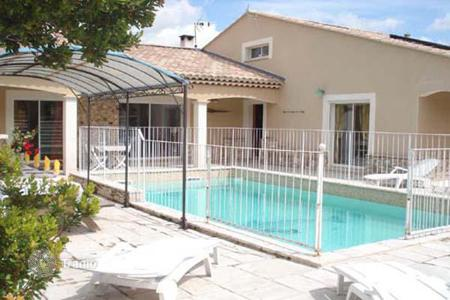 Property for sale in Languedoc - Roussillon. Villa – Nimes, Languedoc - Roussillon, France