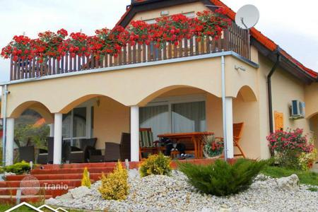 Residential for sale in Somogy. Beautiful house with magnificent views of Lake Balaton