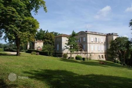 Luxury residential for sale in Aquitaine. Chalet – Bordeaux, Aquitaine, France