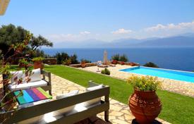 Houses with pools by the sea for sale in Peloponnese. Detached house – Patras, Administration of the Peloponnese, Western Greece and the Ionian Islands, Greece