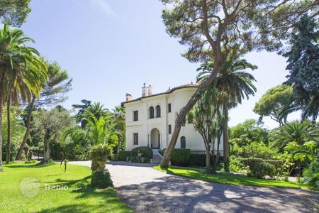 Luxury property for sale in Roquebrune - Cap Martin. Historical property at Monaco's gate