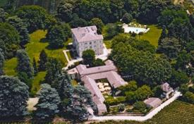 Luxury chateaux for sale in France. Castle – Avignon, Provence - Alpes - Cote d'Azur, France
