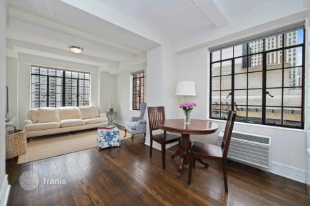 Apartments to rent in Midtown Manhattan. 2BDRM 2 BATH IN TUDOR CITY/ SOUTH WEST OPEN VIEWS