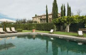 Houses with pools for sale in San Quirico D'orcia. The restored 11th-century mansion in the most beautiful part of Tuscany, close to the vineyards of Brunello di Montalcino