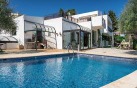 5 bedroom houses for sale in Côte d'Azur (French Riviera). Two-storey villa with a swimming pool, a conservatory and a beautiful sea view, Nice, France