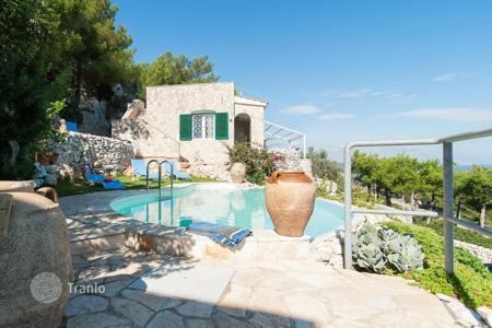Villas and houses for rent with swimming pools in Apulia. Detached house – Province of Lecce, Apulia, Italy