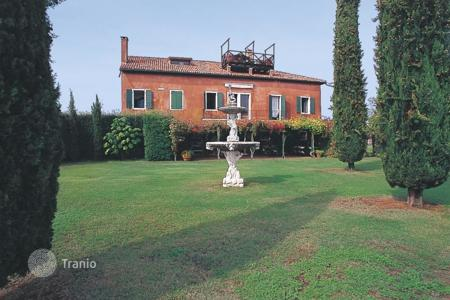 Property to rent in Veneto. Villa – Mirano, Veneto, Italy