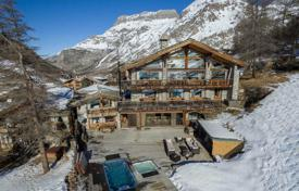 Chalet with a swimming pool, a Jacuzzi and a parking, Val d'Isère, Savoie, France for 20,000,000 €